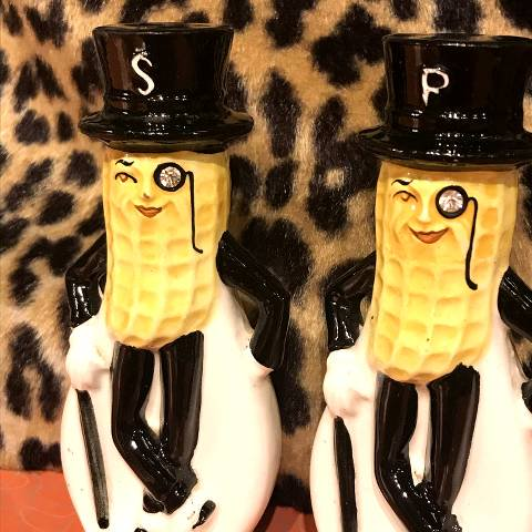 <img class='new_mark_img1' src='https://img.shop-pro.jp/img/new/icons13.gif' style='border:none;display:inline;margin:0px;padding:0px;width:auto;' />Mr.Peanut Salt & Pepper Shakers