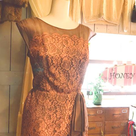 "<img class='new_mark_img1' src='https://img.shop-pro.jp/img/new/icons13.gif' style='border:none;display:inline;margin:0px;padding:0px;width:auto;' />""Rosenbach"" Sheer Lace Dress"