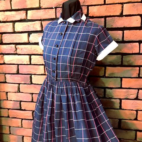 <img class='new_mark_img1' src='https://img.shop-pro.jp/img/new/icons13.gif' style='border:none;display:inline;margin:0px;padding:0px;width:auto;' />Gray Plaid Cotton Dress