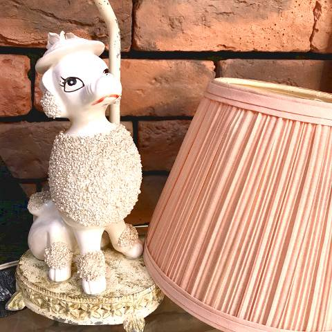 <img class='new_mark_img1' src='https://img.shop-pro.jp/img/new/icons13.gif' style='border:none;display:inline;margin:0px;padding:0px;width:auto;' />Poodle Lamp w/Pink Shade