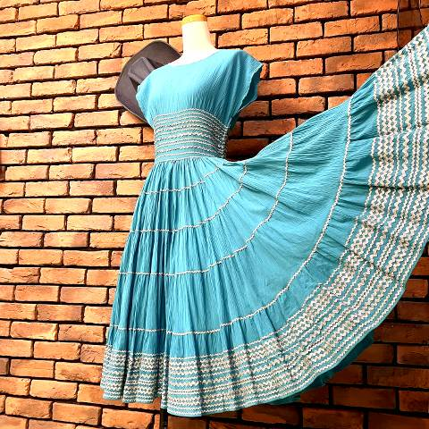 <img class='new_mark_img1' src='https://img.shop-pro.jp/img/new/icons13.gif' style='border:none;display:inline;margin:0px;padding:0px;width:auto;' />Turquoise Mexican Dress