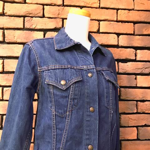 """<img class='new_mark_img1' src='https://img.shop-pro.jp/img/new/icons13.gif' style='border:none;display:inline;margin:0px;padding:0px;width:auto;' />""""Levi's for gal's"""" Denim Jacket"""