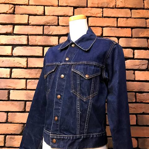 <img class='new_mark_img1' src='https://img.shop-pro.jp/img/new/icons13.gif' style='border:none;display:inline;margin:0px;padding:0px;width:auto;' />Unknown Denim Jacket