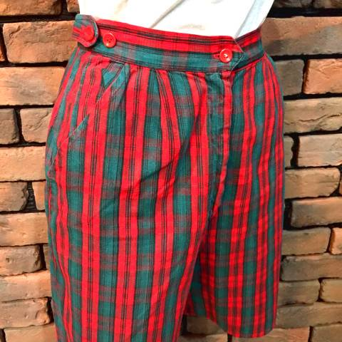Red Plaid Short Pants
