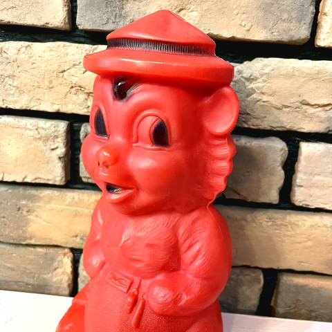 <img class='new_mark_img1' src='https://img.shop-pro.jp/img/new/icons13.gif' style='border:none;display:inline;margin:0px;padding:0px;width:auto;' />Hard Plastic Red Bear Toy Bank