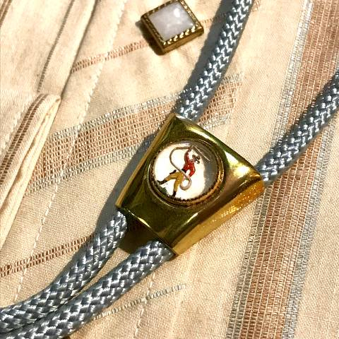<img class='new_mark_img1' src='https://img.shop-pro.jp/img/new/icons13.gif' style='border:none;display:inline;margin:0px;padding:0px;width:auto;' />Western Bolo Tie