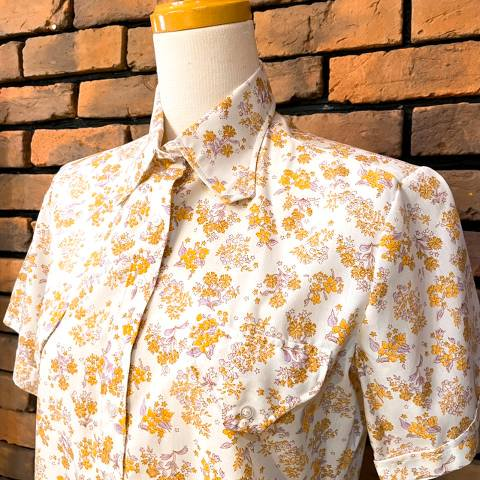 """<img class='new_mark_img1' src='https://img.shop-pro.jp/img/new/icons13.gif' style='border:none;display:inline;margin:0px;padding:0px;width:auto;' />""""Grants"""" Floral Cotton Shirt"""