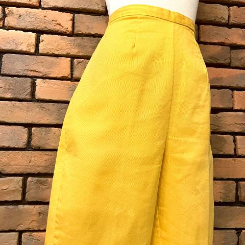 Orange Side Zipper Short Pants