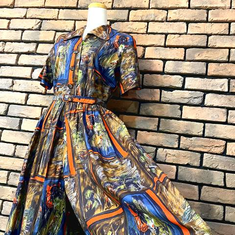 <img class='new_mark_img1' src='https://img.shop-pro.jp/img/new/icons13.gif' style='border:none;display:inline;margin:0px;padding:0px;width:auto;' />Oriental, Novelty Print Salopette Dress