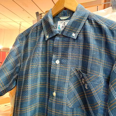 <img class='new_mark_img1' src='https://img.shop-pro.jp/img/new/icons13.gif' style='border:none;display:inline;margin:0px;padding:0px;width:auto;' />Green Plaid Botton Down Shirt