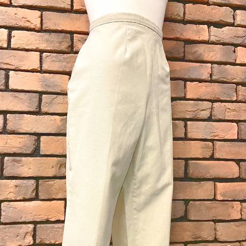 <img class='new_mark_img1' src='https://img.shop-pro.jp/img/new/icons13.gif' style='border:none;display:inline;margin:0px;padding:0px;width:auto;' />Beige High Waist Side Zipper Pants
