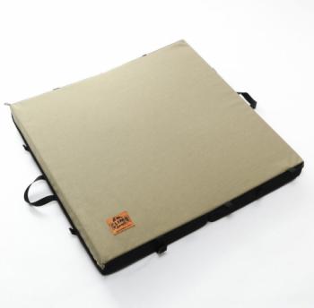 クライミングマット / QUADRATE(90 × 90 × 厚さ 9cm)