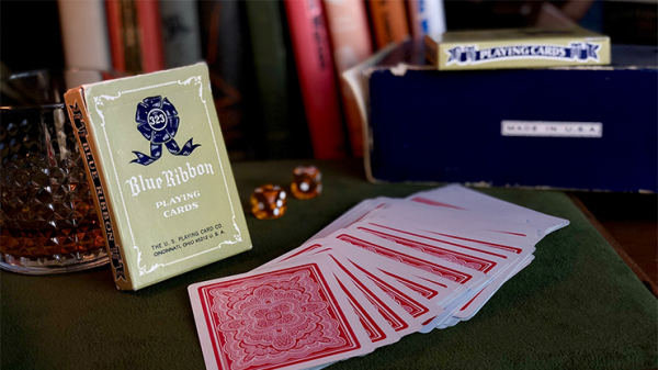 <img class='new_mark_img1' src='https://img.shop-pro.jp/img/new/icons6.gif' style='border:none;display:inline;margin:0px;padding:0px;width:auto;' />Blue Ribbon Playing Cards (Red)