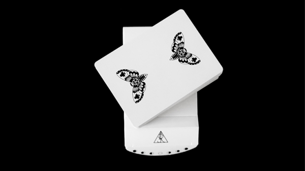 <img class='new_mark_img1' src='https://img.shop-pro.jp/img/new/icons5.gif' style='border:none;display:inline;margin:0px;padding:0px;width:auto;' />Warrior (Full Moon Edition) Playing Cards by RJ