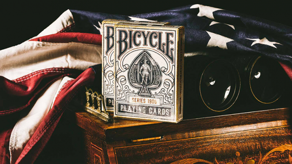 <img class='new_mark_img1' src='https://img.shop-pro.jp/img/new/icons9.gif' style='border:none;display:inline;margin:0px;padding:0px;width:auto;' />Bicycle 1900 Blue Playing Cards