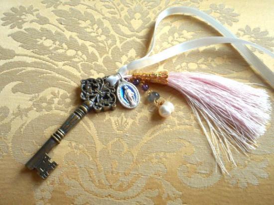 Rose Antique Key 不思議のメダイとアンティークキー チャーム