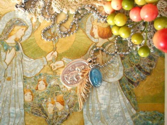 Happy Blue Wing   青い聖母マリアの不思議のメダイ チャームネックレス