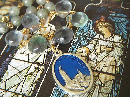 Blue Maria ファティマの聖母マリア グリーンフローライトのブレスレット