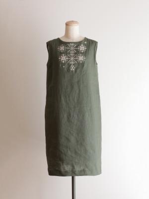 手刺繍ワンピース「山の花」・オリーブグリーン