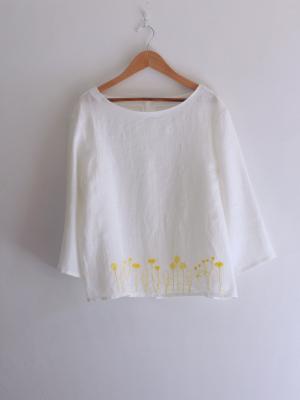 刺繍ブラウス「たんぽぽとキンポウゲ」・白