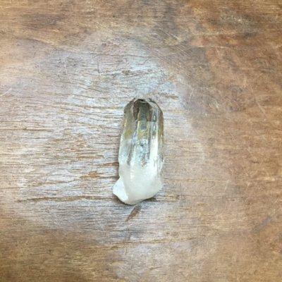 水晶ブローチ