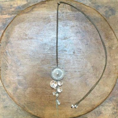 水晶とカレンシルバーのネックレス