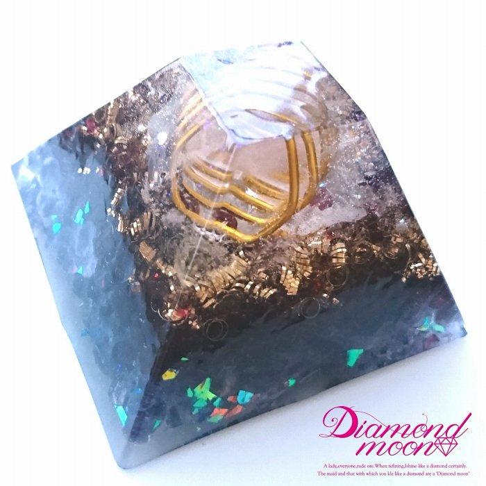 クリスタルジオード入りピラミッドオルゴナイト〜Mystery Power〜神秘の力
