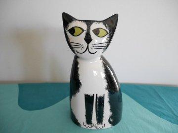<img class='new_mark_img1' src='https://img.shop-pro.jp/img/new/icons48.gif' style='border:none;display:inline;margin:0px;padding:0px;width:auto;' />Cat Money Box by Hannah Turner / Hannah Turner さんデザイン ねこの陶器製 貯金箱(黒白)