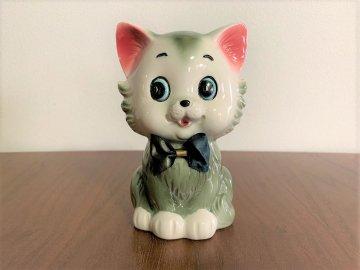 <img class='new_mark_img1' src='https://img.shop-pro.jp/img/new/icons48.gif' style='border:none;display:inline;margin:0px;padding:0px;width:auto;' />Vintage Japanese Retro Cat figurine / 昭和レトロなネコちゃんの置物(グレー)