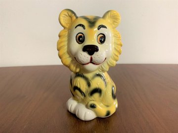 <img class='new_mark_img1' src='https://img.shop-pro.jp/img/new/icons48.gif' style='border:none;display:inline;margin:0px;padding:0px;width:auto;' />Vintage Japanese Retro Tiger figurine / 昭和レトロなトラの置物