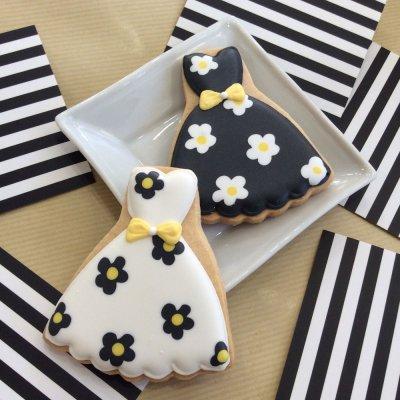 Monotone Daisy Dress Cookie