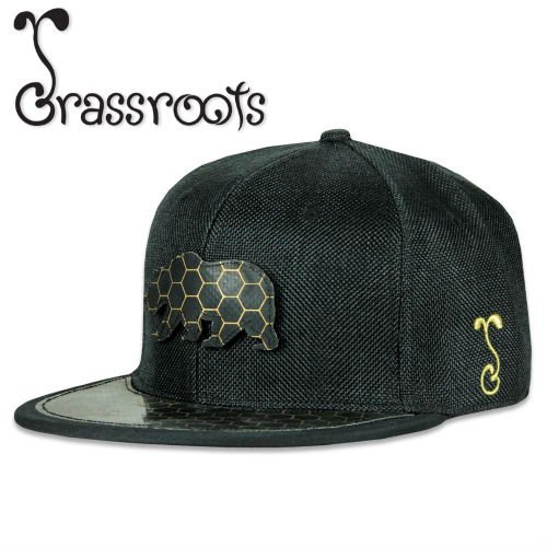 <img class='new_mark_img1' src='https://img.shop-pro.jp/img/new/icons39.gif' style='border:none;display:inline;margin:0px;padding:0px;width:auto;' /><30% OFF!> Grassroots / BearSlick Removable Bear 2018 Fitted CAP