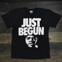 FORGET NEVER  JUST BEGUN T-SHIRT[BLK/WHT]