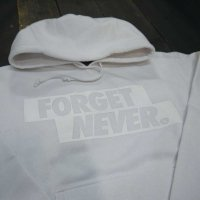 FORGET NEVER  BOX LOGO HOODIE[WHITE/WHITE]