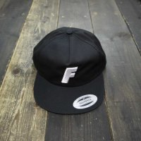 FORGET NEVER F LOGO 5PANEL CAP[BLACK]