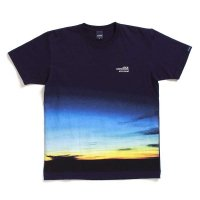 APPLEBUM SUNSHINE T-SHIRT[NAVY] - 1911134<img class='new_mark_img2' src='//img.shop-pro.jp/img/new/icons5.gif' style='border:none;display:inline;margin:0px;padding:0px;width:auto;' />