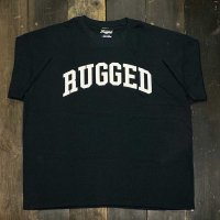 RUGGED ARCH LOGO T-SHIRTS [BLACK]<img class='new_mark_img2' src='//img.shop-pro.jp/img/new/icons8.gif' style='border:none;display:inline;margin:0px;padding:0px;width:auto;' />