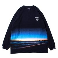 APPLEBUM SUNSET BEACH L/S T-SHIRT - CCW1911108<img class='new_mark_img2' src='//img.shop-pro.jp/img/new/icons5.gif' style='border:none;display:inline;margin:0px;padding:0px;width:auto;' />