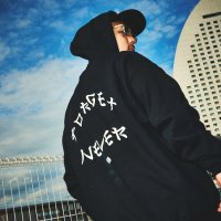 FORGET NEVER KATAKANA ARCH LOGO HOODIE【BLACK】