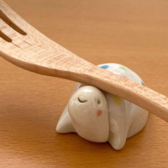 手造り 水玉カメの箸置き ホワイト