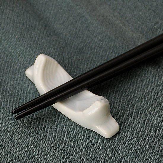 青白磁 笹舟の箸置き