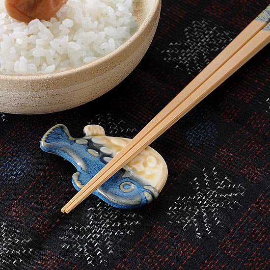 フグ(紺)箸置き