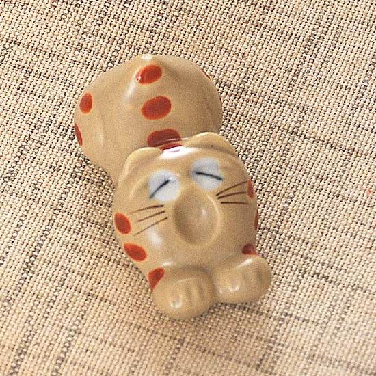 トラ猫(赤)の箸置き
