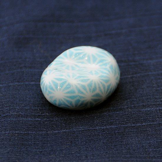 小豆 色呉須柄 麻の葉青の箸置き
