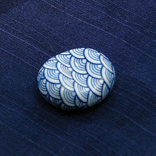小豆 呉須柄 青海波の箸置き