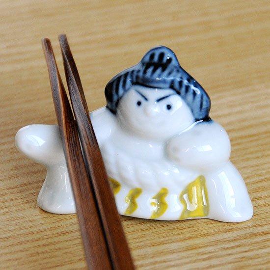 相撲(土俵入り・黄)の箸置き