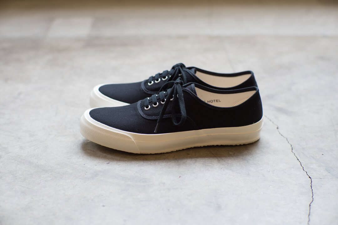 DOEK SHOE INDUSTRIES / OXFORD BLACK