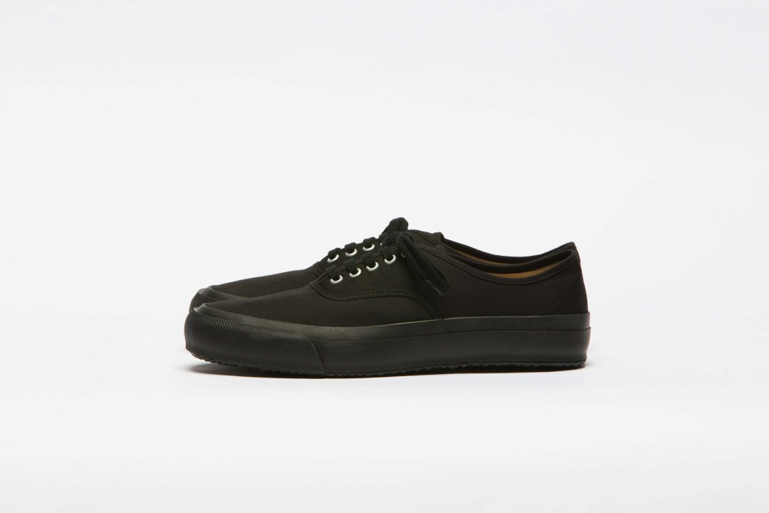 DOEK SHOE INDUSTRIES / OXFORD BLACK GABA