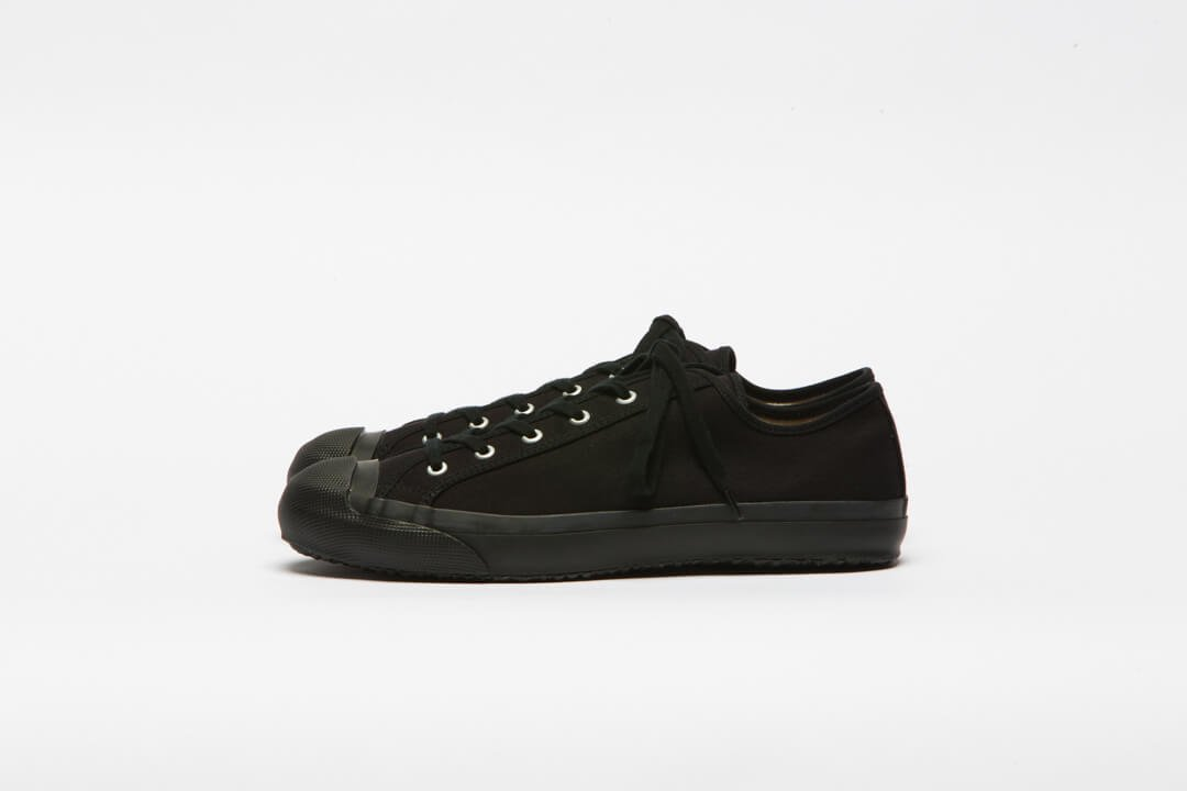 DOEK SHOE INDUSTRIES / COURT BLACK MONOCHROME