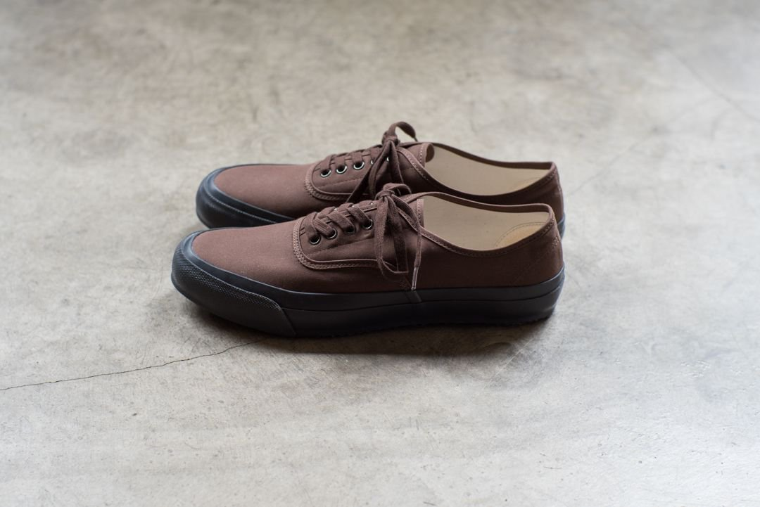 DOEK SHOE INDUSTRIES / OXFORD BROWN GABA
